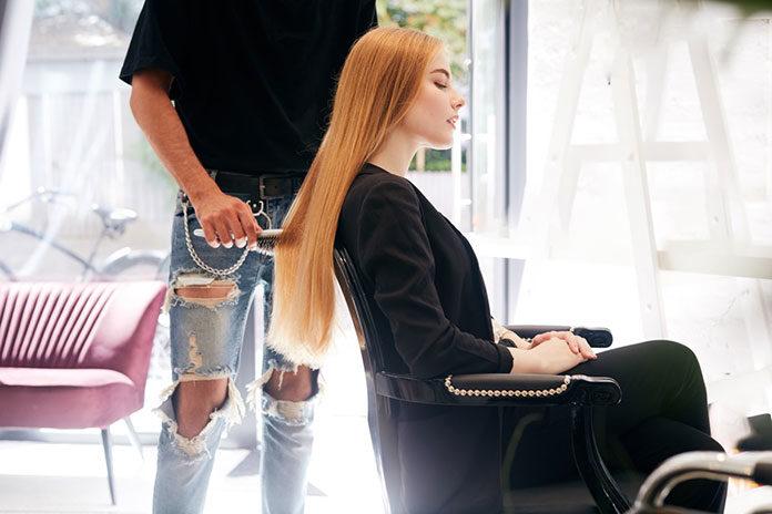 Szukasz dobrego fryzjera w Łodzi? Sprawdź to, zanim zadzwonisz do przyjaciółki