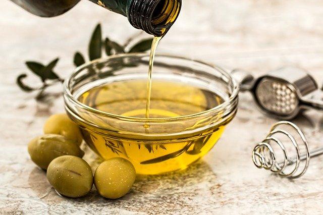 olejek, czy serum co lepsze do włosów?
